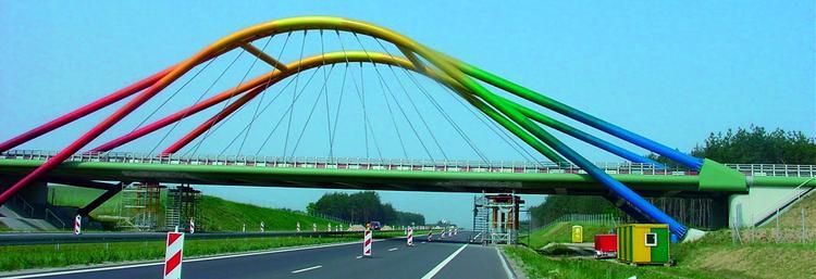 Galeria zdjęć - Kolorowe mosty - zdjęcie nr 3 - archirama.pl Cloud